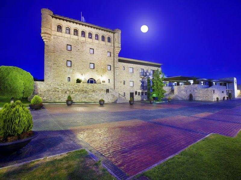 Limpieza e impermeabilización de adoquín en el Castillo de Gorraiz